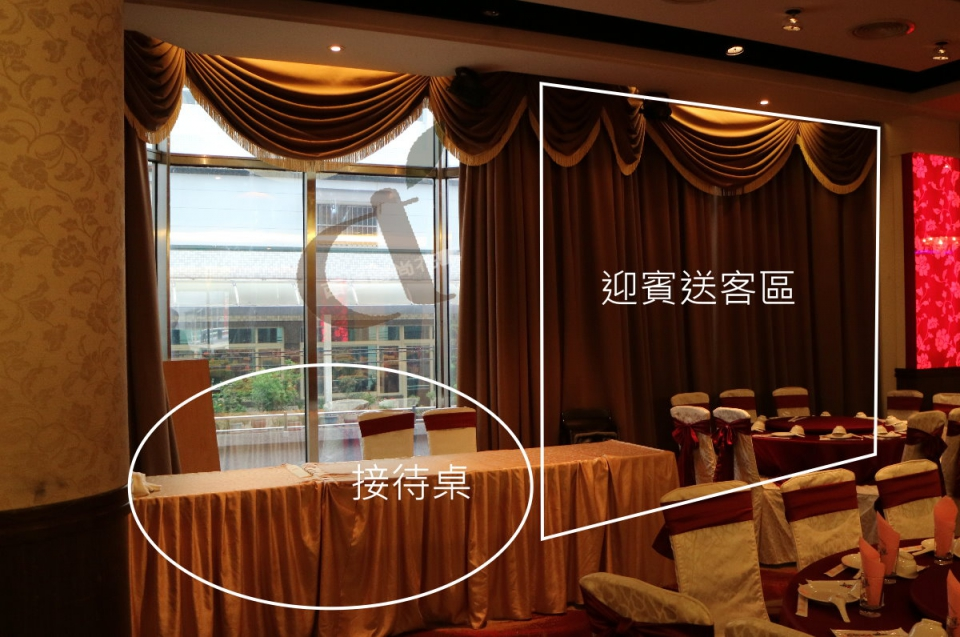 西堤時尚花藝 土城青青餐廳婚禮佈置5.jpg