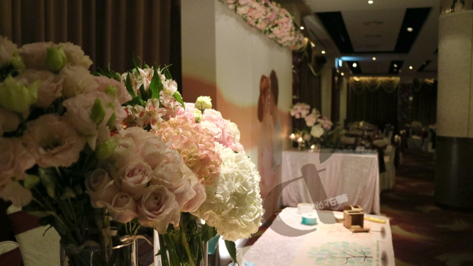 西堤時尚花藝 土城青青餐廳婚禮佈置7.jpg